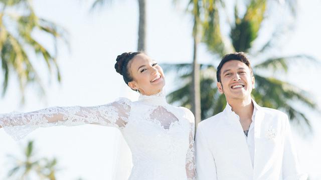 Artis Indonesia Menikah Dengan Fans