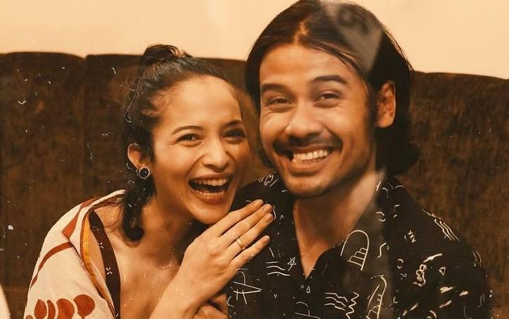 Deretan Artis Indonesia Yang Menikah Dengan Fans Sendiri